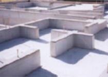 高強度と防湿性を備えて完成した基礎